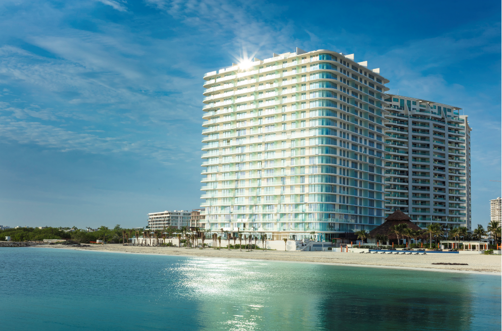SLS-Cancun-Hotel-and-Residences-fachada