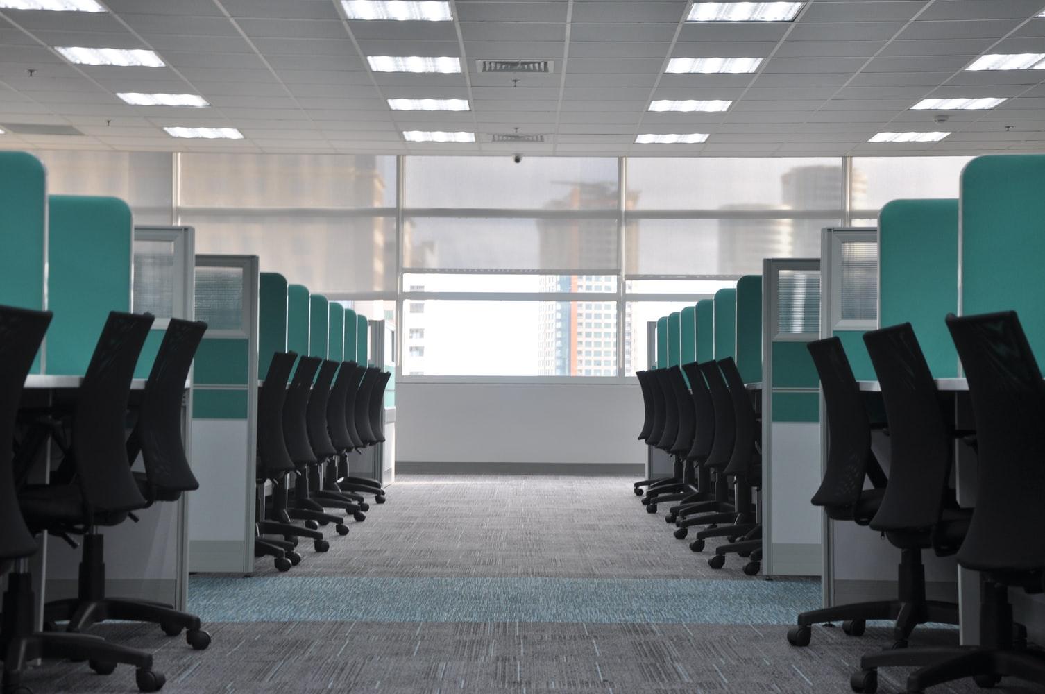 oficina-con-cubiculos