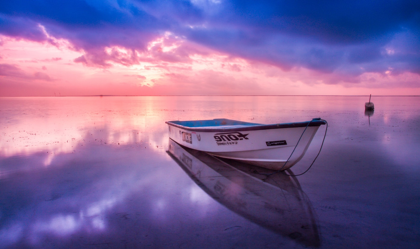 beach-boat-dawn-128302
